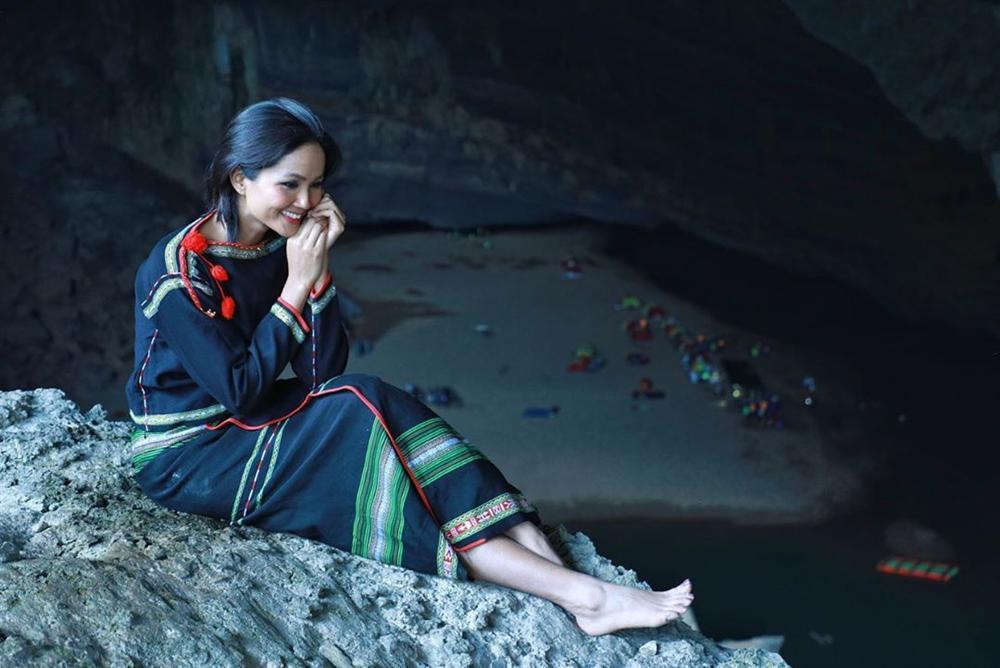HHen Niê múa vũ khúc Sơn Đoòng tại hang động lớn nhất thế giới-11