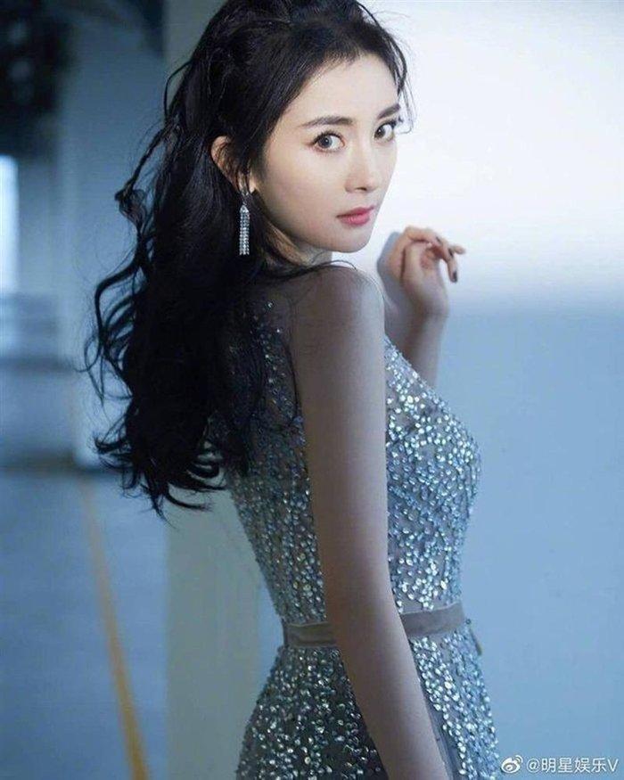 Nguyên nhân Đệ nhất mỹ nữ Bắc Kinh Cảnh Điềm chia tay Trương Kế Khoa: Phát hiện bạn trai có máu cờ bạc, nợ như chúa Chổm?-8