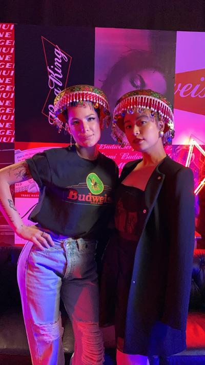 Halsey chụp ảnh thân thiết cùng Hoàng Thùy Linh trong sự kiện BudXMiami-3