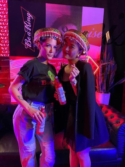 Halsey chụp ảnh thân thiết cùng Hoàng Thùy Linh trong sự kiện BudXMiami-4