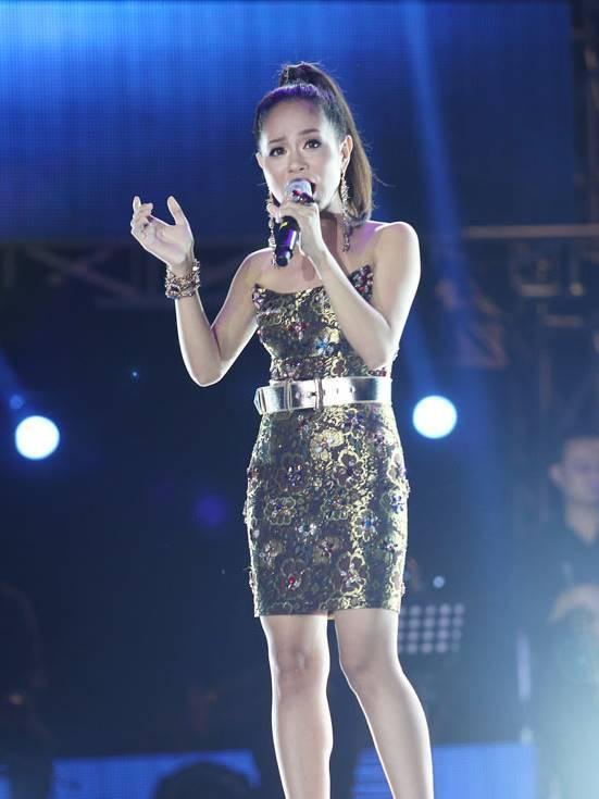 Top 6 Vietnam Idol 2012 – người nổi tiếng, người về quê chăn lợn-3
