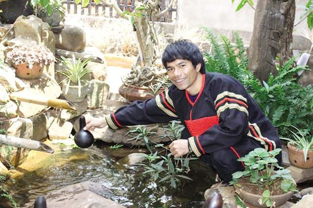 Top 6 Vietnam Idol 2012 – người nổi tiếng, người về quê chăn lợn-2