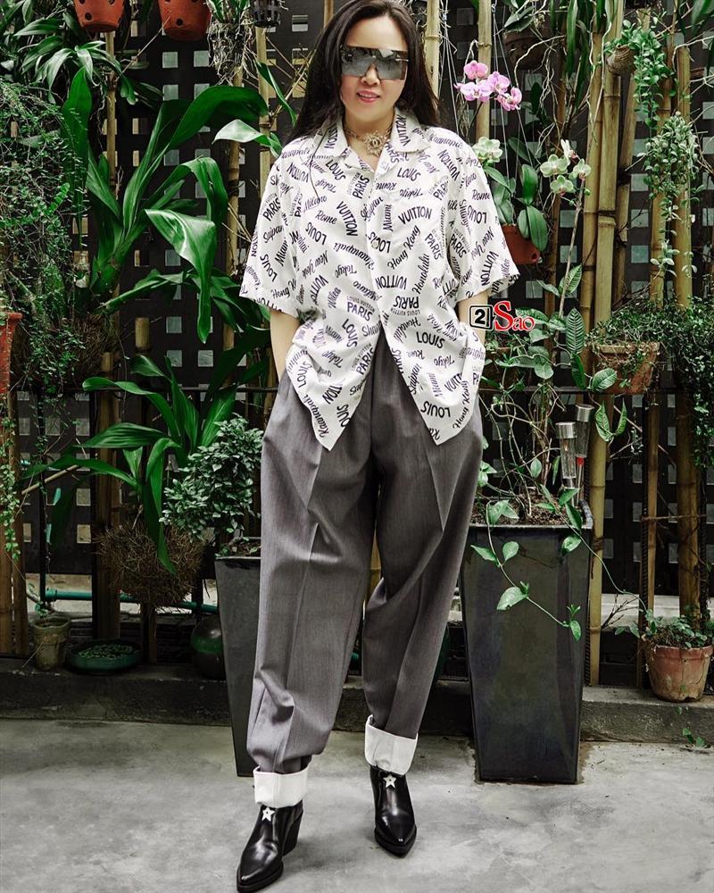 Nhìn cây hàng hiệu của Phượng Chanel mà cư dân mạng tranh cãi: Thẩm mỹ kém hay là Quá chất đây?-4