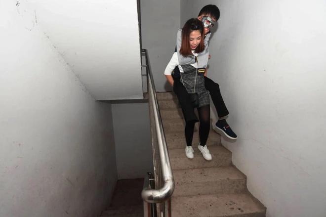 Chuyện tình của cô gái Trung Quốc và chàng trai gương mặt biến dạng-5