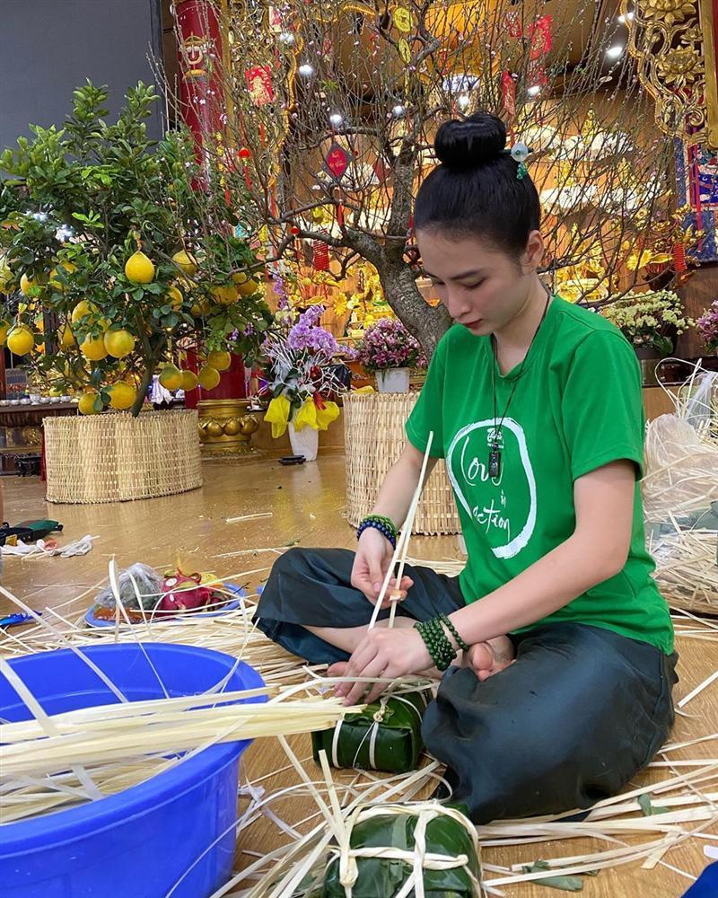 Angela Phương Trinh mặc full set đồ bảo hộ phòng dịch đi siêu thị mua đồ chuẩn bị 15 ngày cách ly-6
