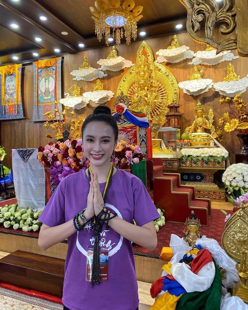 Angela Phương Trinh mặc full set đồ bảo hộ phòng dịch đi siêu thị mua đồ chuẩn bị 15 ngày cách ly-8
