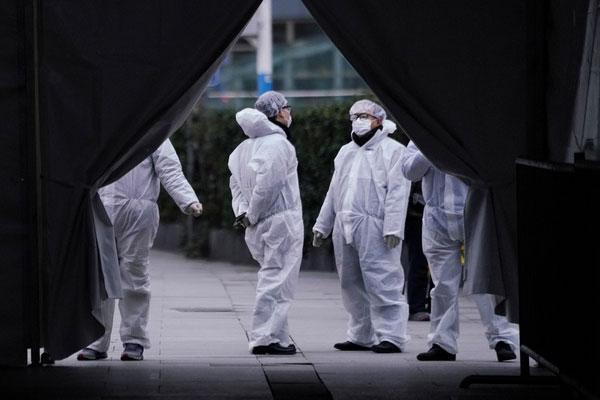 Số người chết vì virus corona tăng thêm 81, tổng ca tử vong vượt 700-1