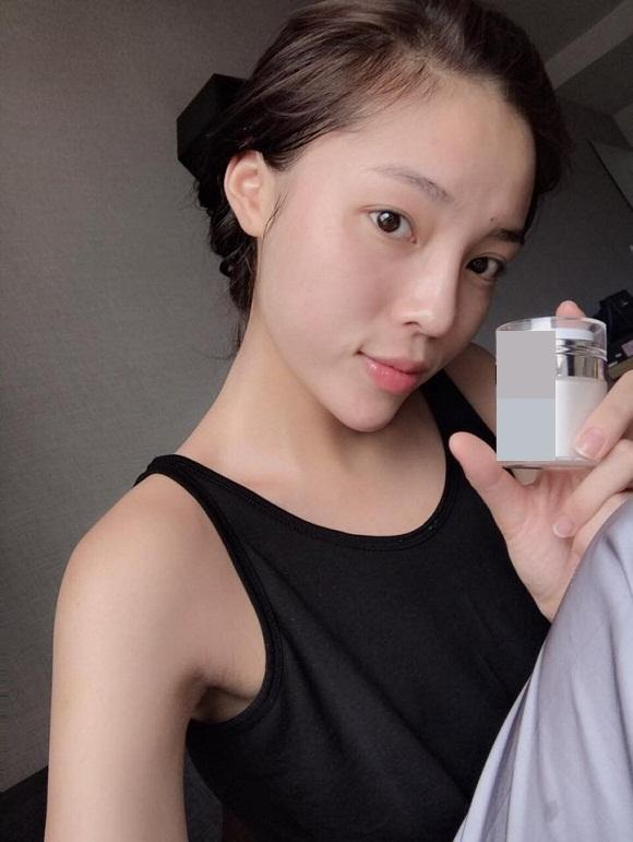 4 hoa hậu Việt chăm khoe mặt mộc bất chấp khen chê-8