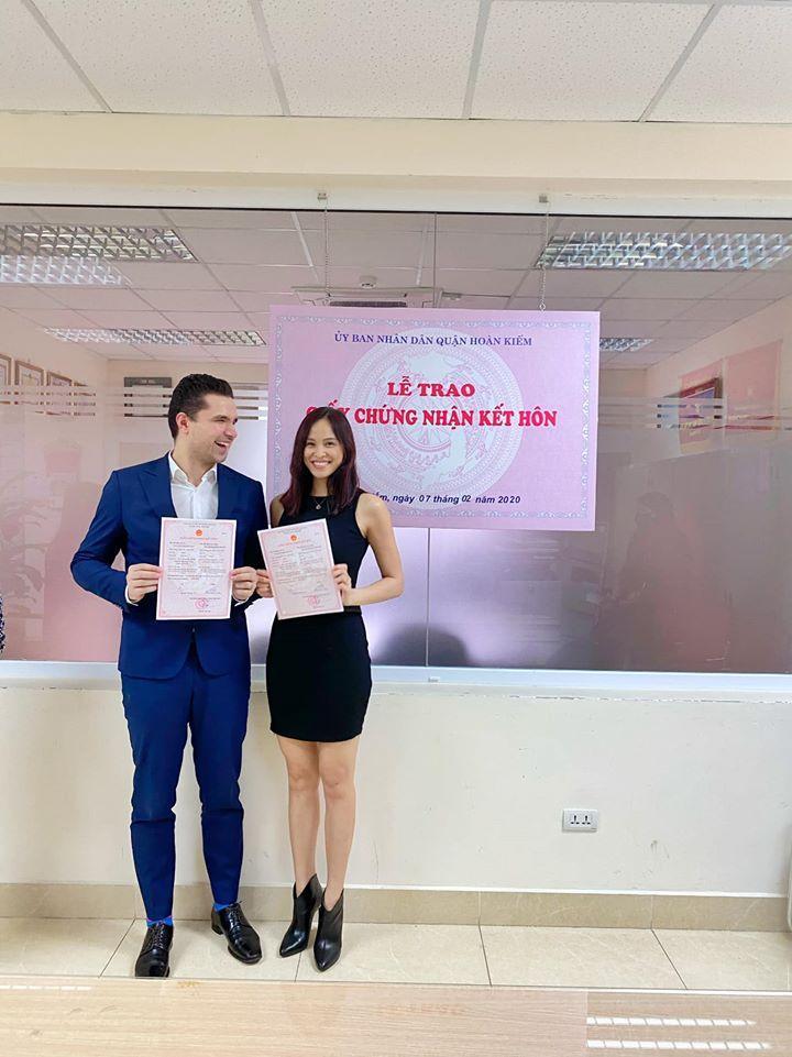 Phương Mai chính thức đăng ký kết hôn sau khi cưới và sinh con đầu lòng-1