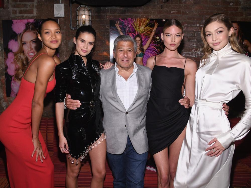 Giám đốc Victorias Secret bị tố quấy rối tình dục mẫu nội y là ai?-1
