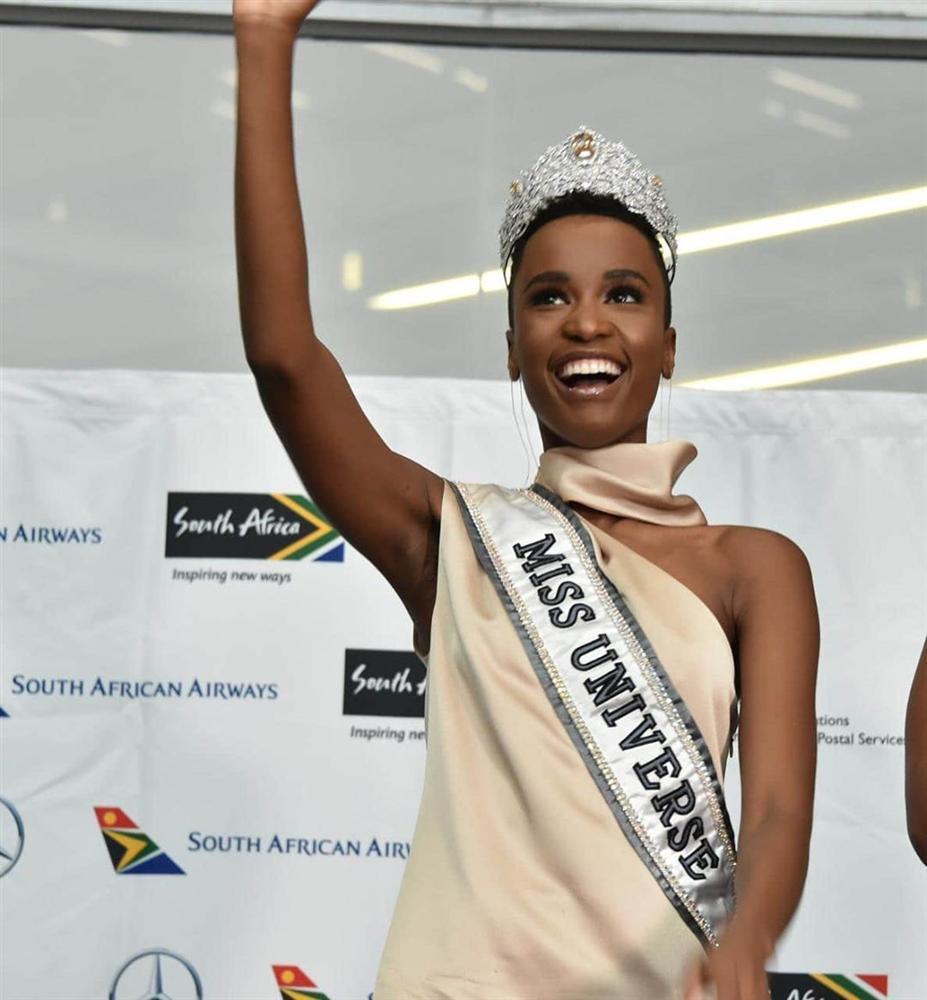 Sân bay Nam Phi như vỡ trận khi Hoa hậu Hoàn vũ da màu trở về-14