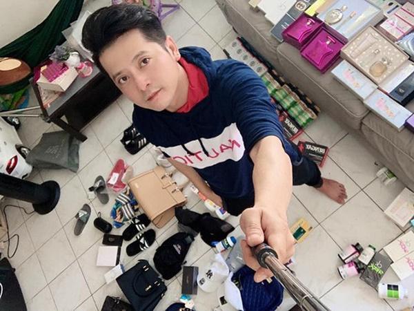 Bất ngờ với cuộc sống sao Việt tại Mỹ: Người bán quần áo sale, kẻ phải đi trộm tiền-14