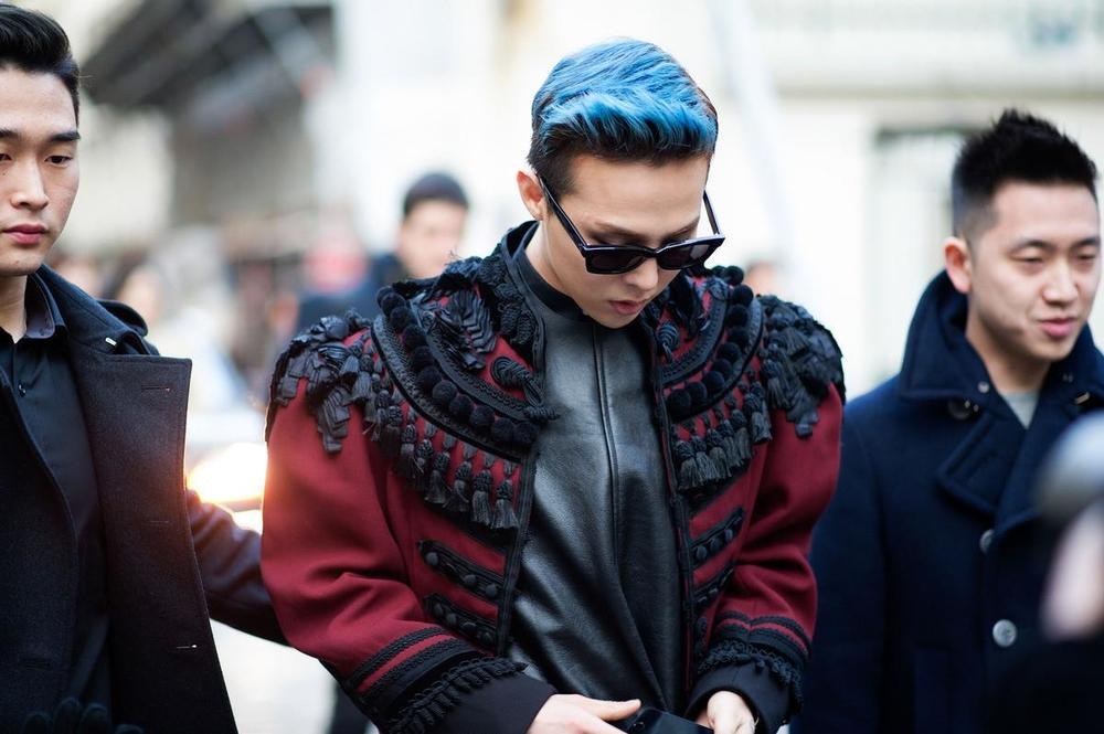 Gu thời trang thì không chê vào đâu được nhưng G-Dragon phải chăng nên xem lại làn da sần sùi của mình?-1