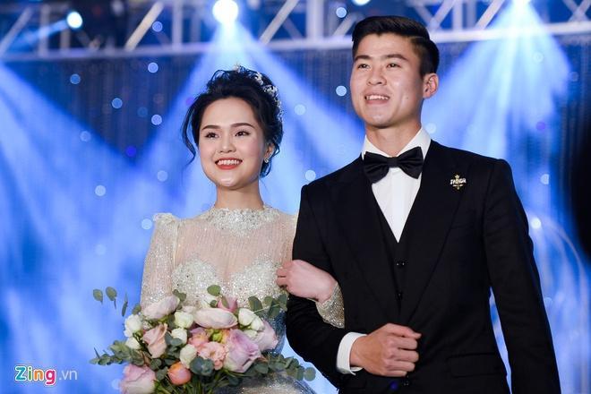 Quỳnh Anh đeo vòng cổ 285 viên kim cương, diện váy cưới như công chúa-3
