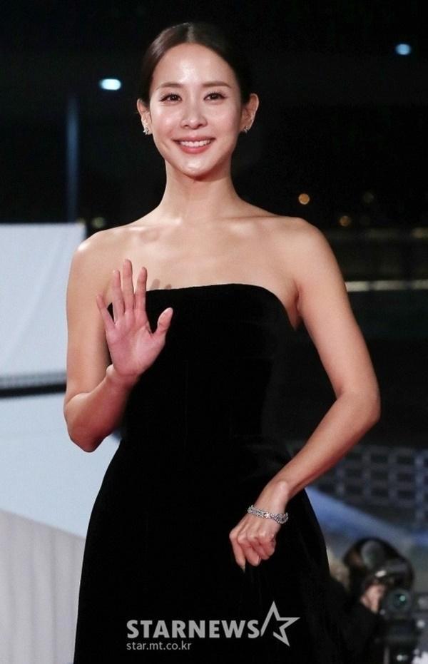 Mỹ nhân Ký sinh trùng: Nữ hoàng 18+ bị bạn trai bỏ rơi vì cảnh nóng, nổi như cồn nhờ thắng 4 giải Oscar-9