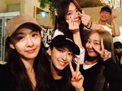 4 nhóm nhạc nữ hiếm hoi có độ nổi tiếng đồng đều giữa các thành viên theo ý kiến của cư dân mạng Hàn Quốc-4