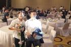 Bắt được hoa cưới Duy Mạnh, Văn Toàn bị fan trêu sắp 'nối gót' kết hôn