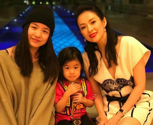 Triệu Vy, Chương Tử Di và những cặp mẹ kế - con chồng nổi tiếng của showbiz Hoa ngữ-8