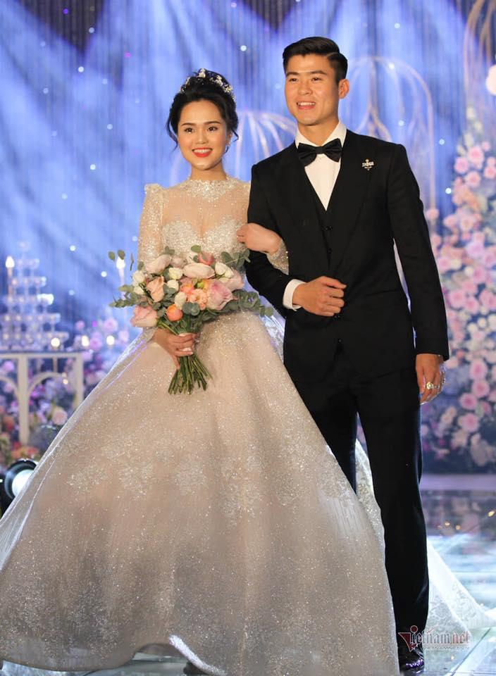 Toàn cảnh tiệc cưới siêu to khổng lồ đẹp như MV nhạc của Duy Mạnh - Quỳnh Anh-5