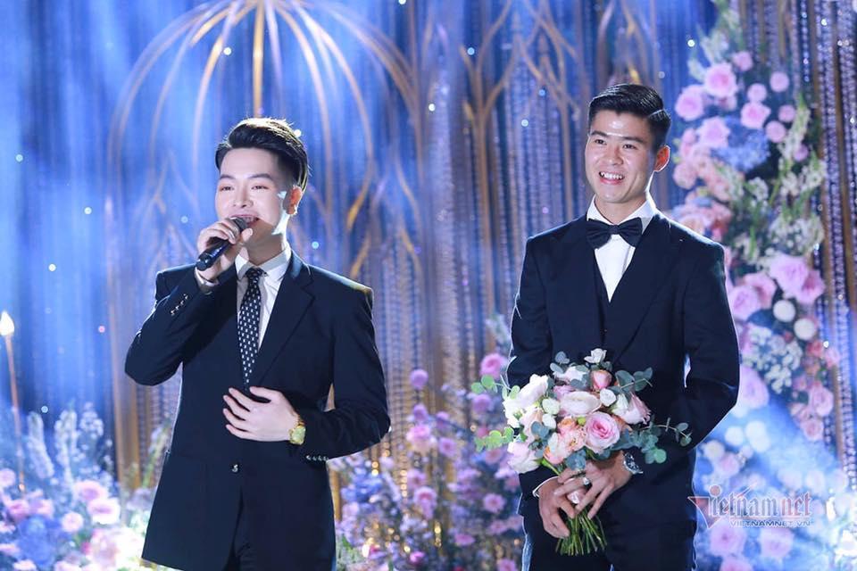 Toàn cảnh tiệc cưới siêu to khổng lồ đẹp như MV nhạc của Duy Mạnh - Quỳnh Anh-6