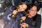 Hoa hậu Hàn bị chỉ trích 'hám fame' khi đăng ảnh chúc mừng đoàn phim 'Ký Sinh Trùng' tại Oscar