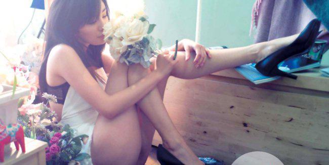 Lan truyền loạt hình ảnh nóng bỏng, khiêu khích của Dương Mịch trên tạp chí dành cho nam giới-4