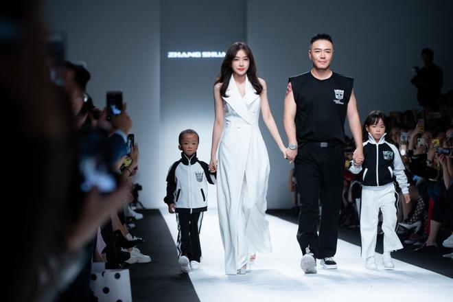 Hai tuần lễ thời trang Trung Quốc bị hoãn vô thời hạn vì virus corona-1