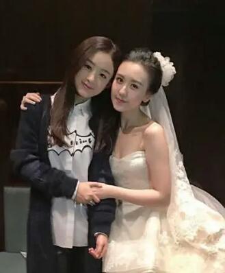 Mặc giản dị đi ăn cưới, Triệu Lệ Dĩnh và Dương Tử được khen ngợi hết lời-6