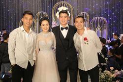 Dự đám cưới Duy Mạnh, Văn Toàn bị Hải Quế 'cà khịa' mặc mãi một cái áo