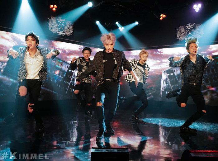 SuperM gây ấn tượng mạnh khi lần đầu biểu diễn tại Jimmy Kimmel Live-1