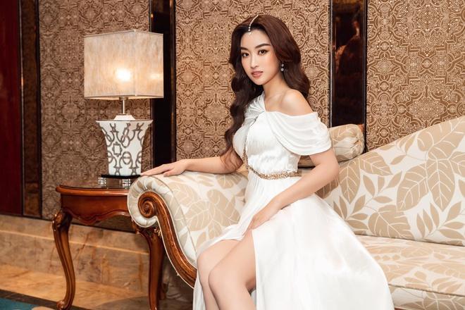 Hoa hậu Đỗ Mỹ Linh chia sẻ: Yêu ai cũng đậm sâu-1