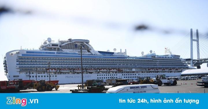 Bị 4 nước không cho cập cảng, lênh đênh trên biển suốt 2 tuần vì nỗi lo virus Covid-19, hành khách trên một du thuyền khác cầu cứu trong tuyệt vọng-2