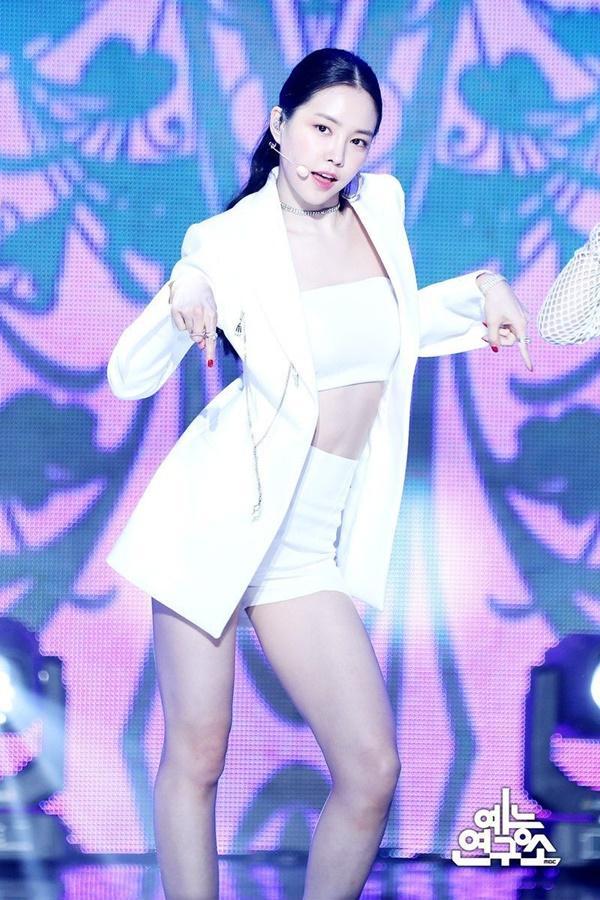 Nhan sắc nữ thần tượng nóng bỏng nhất Kpop-4