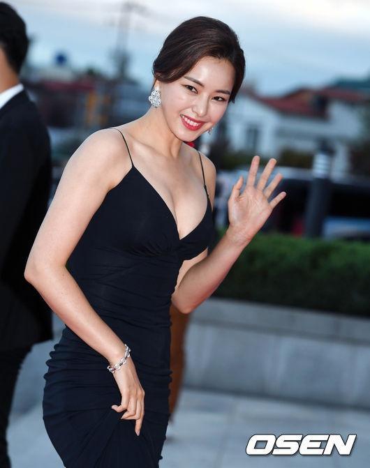 Honey Lee - hoa hậu quốc dân bị quay lưng vì một tấm ảnh-12