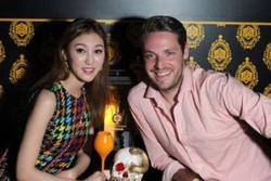 Mỹ nữ TVB có tình mới sau khi 'đá' hai đại gia