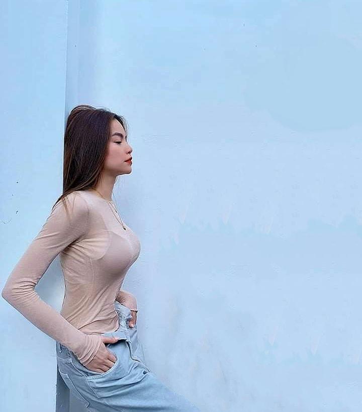 Hà Hồ lên đồ táo bạo đến nỗi cây đa gốc đề như ca sĩ Quang Linh phải lo lắng người đẹp... trúng gió-2