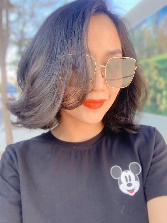 Cắt tóc ngang vai, Ốc Thanh Vân được con nhận xét giống Bạch Tuyết phiên bản bị phơi nắng-4
