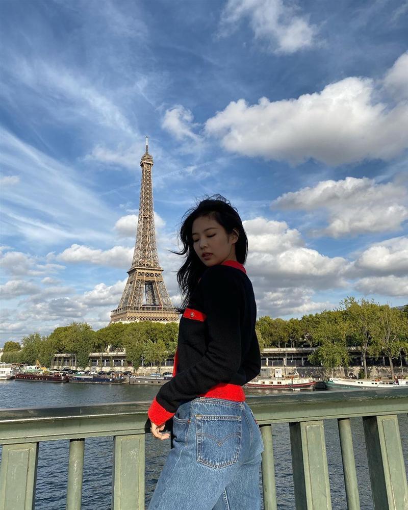 Jennie (Black Pink) mặc khí chất ở đời thường-5