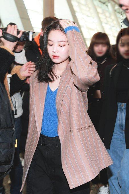 Jennie (Black Pink) mặc khí chất ở đời thường-8