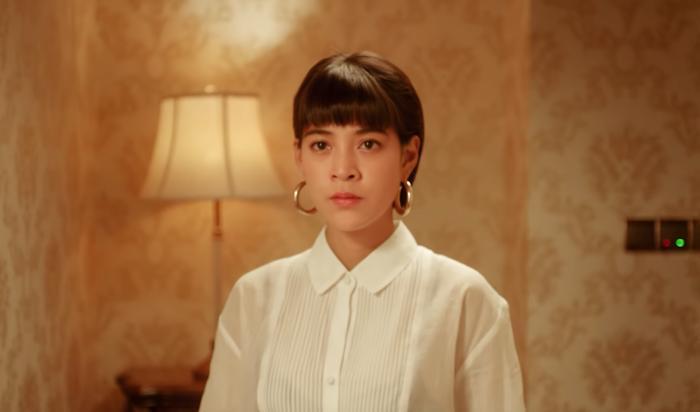 Màn rút guốc đánh ghen xuất thần của bà tổ ngành tuesday khiến Hương Giang phải vái cả nón-2
