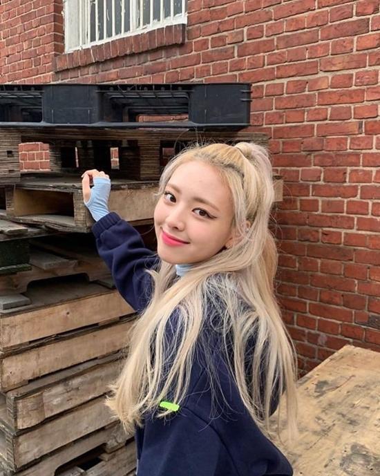Hình mẫu người yêu được fan Kpop thích nhất mùa Valentine-7