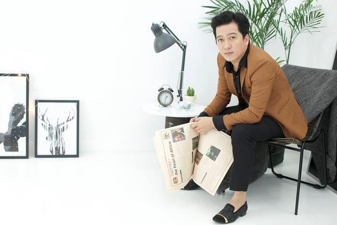 Khi ở bên cạnh Nhã Phương, Trường Giang ăn mặc thế nào?-9