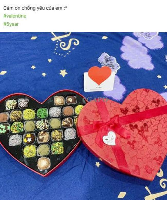 Đem quà bồ tặng về trao tay vợ ngày Valentine, anh chồng bị chính nhân tình bóc phốt-1