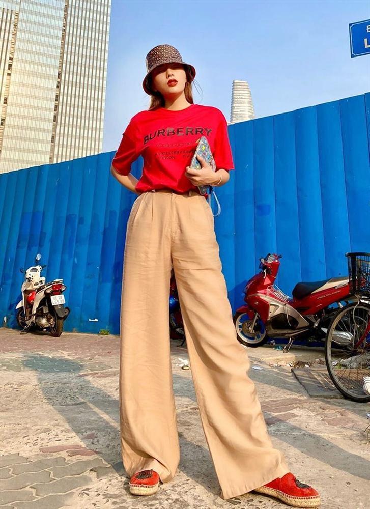 Street style: Hari Won, Trấn Thành lên đồ đồng điệu Valentine - Thanh Hằng nữ tính bất ngờ-3