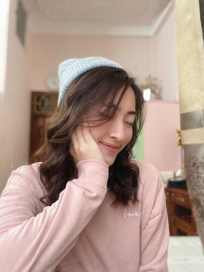 Hoa hậu Lương Thùy Linh đột ngột cắt tóc đúng Valentine khiến ai cũng xuýt xoa trầm trồ-2