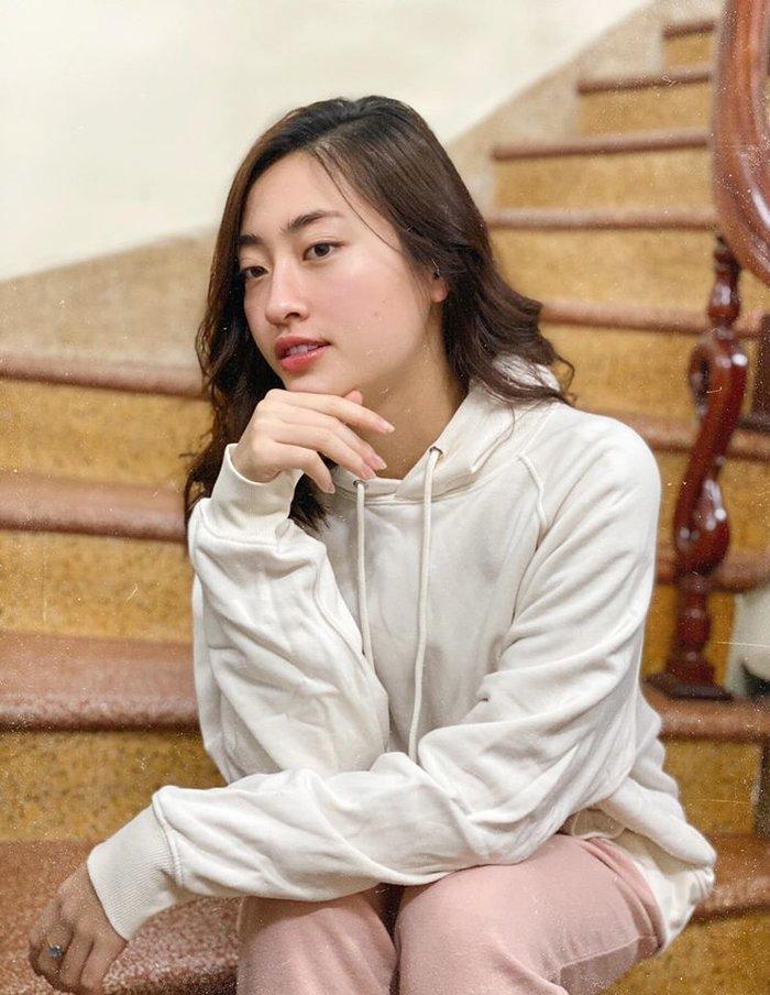 Hoa hậu Lương Thùy Linh đột ngột cắt tóc đúng Valentine khiến ai cũng xuýt xoa trầm trồ-3