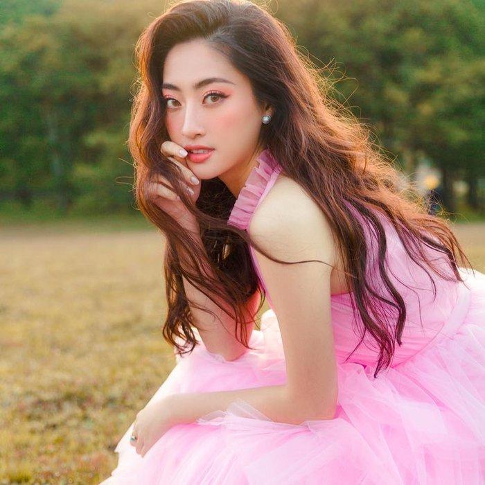 Hoa hậu Lương Thùy Linh đột ngột cắt tóc đúng Valentine khiến ai cũng xuýt xoa trầm trồ-5