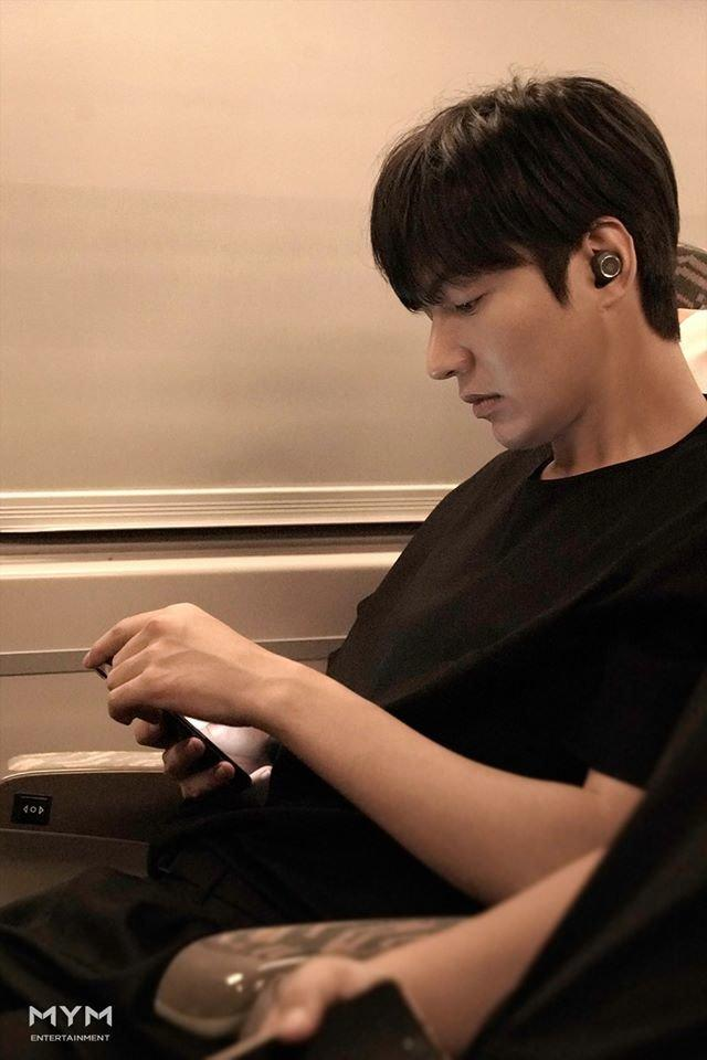 Ảnh Valentine chuẩn mỹ nam, Lee Min Ho khiến dân tình mất máu: Sống mũi thẳng hơn giới tính của tôi!-2