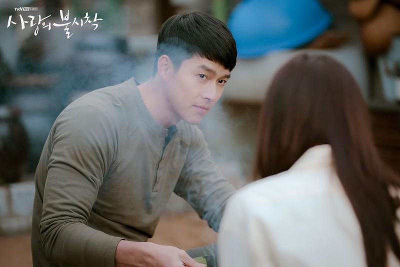 Hé lộ hậu trường tình tứ cặp đôi Hyun Bin - Son Ye Jin trong Hạ cánh nơi anh-2