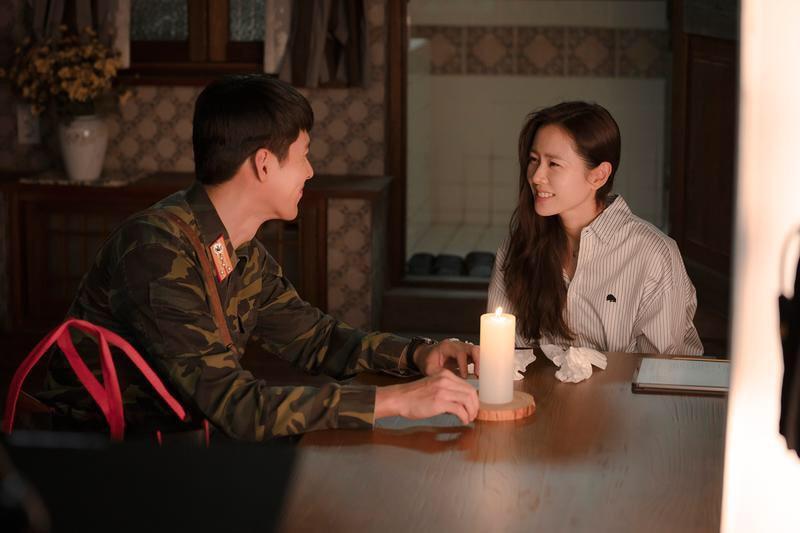 Hé lộ hậu trường tình tứ cặp đôi Hyun Bin - Son Ye Jin trong Hạ cánh nơi anh-3